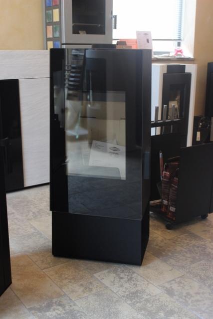 kaminofen pelletofen schwedenofen mit speckstein kachel oder natursteinverkleidung. Black Bedroom Furniture Sets. Home Design Ideas